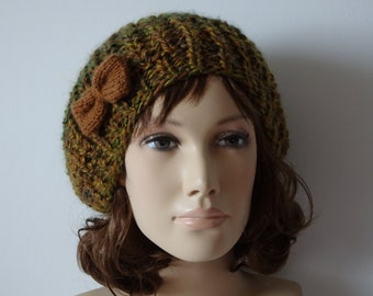 One size beret for women and teens