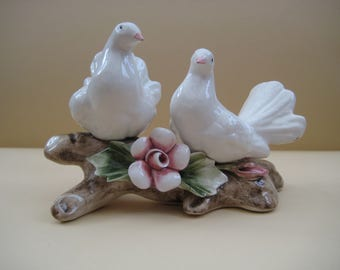 Vintage capodimonte porcelain pair of white doves on branch, made in Italy