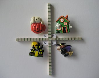 Each - Halloween Brooch Pin Vintage Witch Haunted House Pumpkin Ghost Plastic Wood