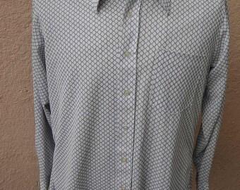 Size L+ (49) ** 1960s/70s Mod Whte and Blue Geometric Print Shirt