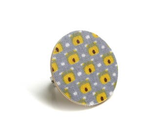 Geometric ring wood and fabric designer yellow/gray Pearl