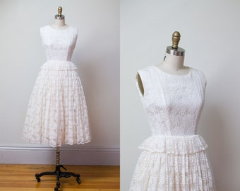 1950s Wedding Dress / 50s Off White Lace Wedding Gown