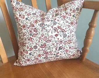Floral 'Sigbritt' Cushion