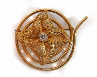 1960s Round Gold Tone & White Rhinestons Filigree Flower Vintage Pin Brooch