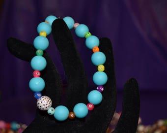 Stretchable blue 6 inch bracelet