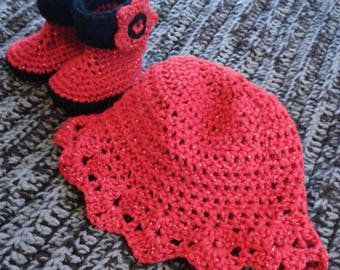 Sparkle Red Hat & Booties Set. Size 0-12 mo