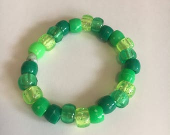 Isabel's Green Stretch Girls' Bracelet/Kiddie Jewelry/Toy Bracelet/Pony Bead Bracelet/Plastic Bracelet