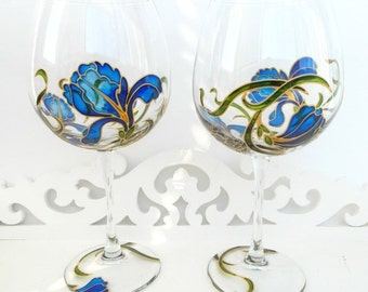 Hand painted wine glasses Gift set of glasses Custom Iris glasses Red wine glasses with blue irises Bridesmaids glasses Gift for mom