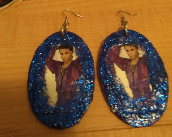 prince med/large specialty earrings