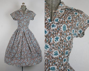 1950's Leaf Print Fit and Flare Day Dress / Size Small Medium