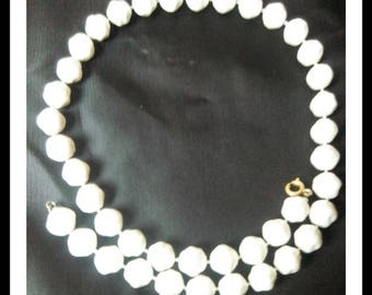 Vintage White textured plastic Bead Necklace
