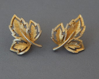 Vintage Gold Leaf Earrings Clip-Ons, Gold Tone Leaves Clip-Ons, Autumn Fall Jewelry, Mid Century Estate Jewelry