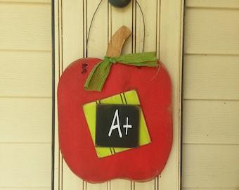 back-to-school. apple, teacher gift, door hanger, fall, painted wood, seasonsandsawdust