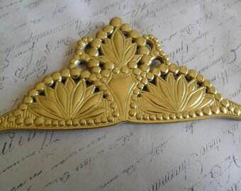 Royal Embossed Gold Foil German Dresden Scrap Crown approx 3.5 x 6.5