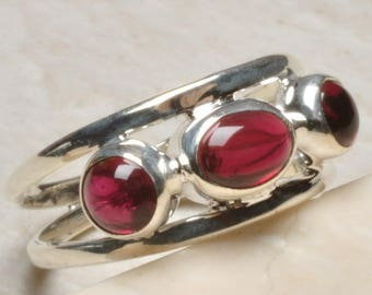 Sterling Ring ~ Silver Garnet 3-Stone Cabochon Ring Size 9