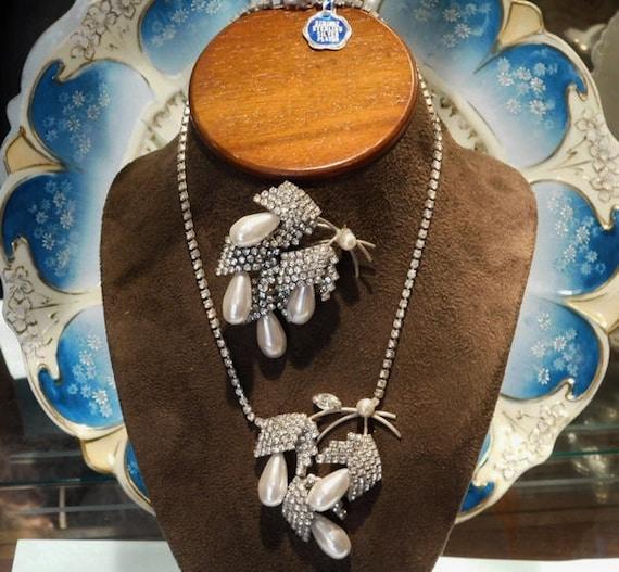 Brooch Necklace Set / Pave Rhinestone / NOS