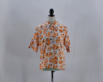 Vintage 60's 70's floral Hawaiian shirt with oversize collar // Size S