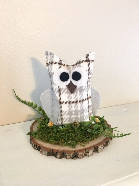 Owl Rustic Center Piece - Conversation Art, Home Decoration, Snowy Owl, Farmhouse Plaid, Mossy Log, Woodland Decoration, Cake Topper
