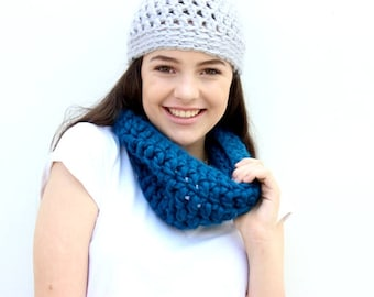 Crochet Kit | DIY | Crochet Pattern | Crochet Scarf | Cowl | Snood