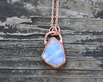Raw Rainbow Moonstone Necklace/Copper Electroformed Uncut Moonstone Pendant Necklace/Raw Stone Jewelry/June Birthstone Necklace/Blue flash