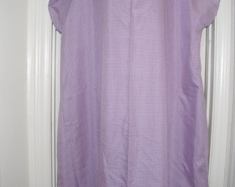 Purple gingham print polyester hospital gown