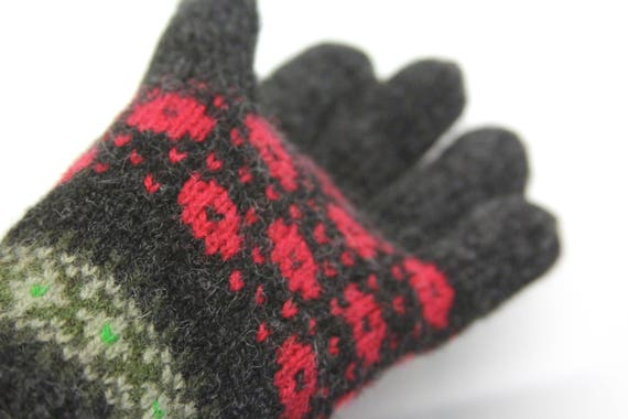 Happy Fair Isle Gloves hand knit in wool. Size M.