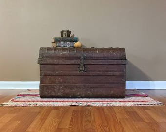 Vintage Steel Trunk/Steamer Trunk/Metal Trunk/Storage Trunk/Antique Trunk/Trunk Table/Wooden Trunk/Cedar Trunk/Trunk Coffee Table