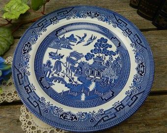 Set of 4 Vintage Churchill Blue Willow 10 1/4  Dinner Plates & Vintage Churchill Blue Willow Dinner Plate Made in