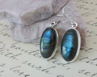 Labradorite Earrings/Serling Silver Labradorite Earrings/Genuine Labradorite/Sterling Silver Dangle Earrings/Blue Flash drop Earrings/E0155