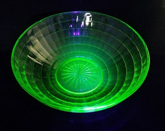 Uranium Glass Dish, Bowl, Green, glow in the dark with black light
