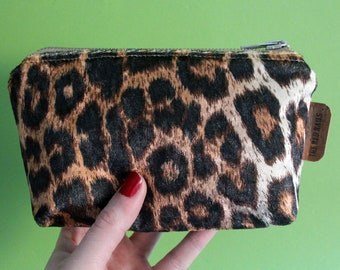 Pin-up zipper pouch/Make up bag-Leopard print-handmade by the red nails