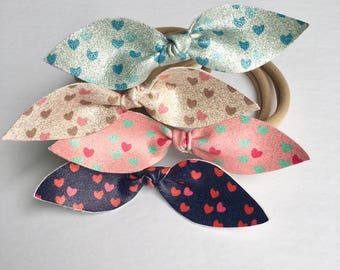 Nylon headband or Alligator Clip for baby and girl with a shiny heart buckle