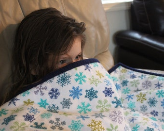 Snowflake v2 wheelchair lap blanket / couch throw / baby toddler quilt