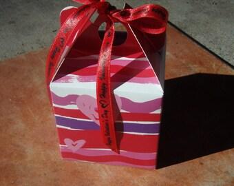 Organic Dog Treats - Valentine Mini Tote Gift Box - Gourmet Dog Treats Vegetarian All Natural - Shorty's Gourmet Treats