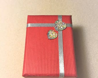 """Grey and Red rhinestone hearts"" gift box"