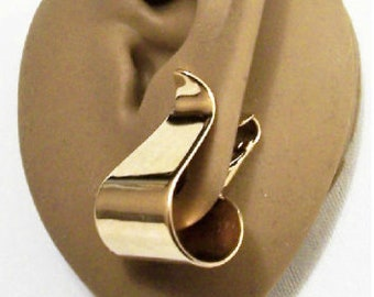 Avon Wide Wave Hoop Clip On Earrings Gold Tone Vintage 1970s Smooth Curves Curls
