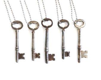 Vintage Key Necklace / vintage silver necklace, heart key necklace, heart necklace, vintage skeleton key necklace, heart shaped key