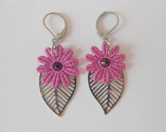 Earrings with pink flowers lace