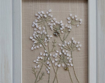 """Silk Ribbon Embroidery Queen Ann's Lace Hand Stitched on beige Linen 5"""" x 7"""" White Wood Frame"""