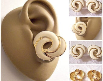 Monet Beige Three Rings Clip On Earrings Gold Tone Vintage Round Striped Edge Layered Circles Brushed Backs Comfort Paddles