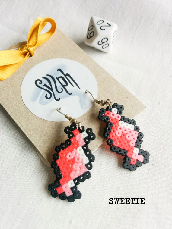 Hot pink and pastel 8bit Sweetie pixelart earrings with a retro vibe made of Hama Mini Perler Beads, perfect for candy fans!