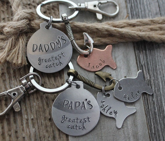 Awwww! It's a fish keychain set that is so adorable...my pops is so getting this for Father's Day, that's for sure.