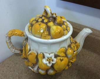 Decorative Yellow Fruit Jar with Lid