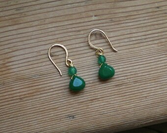 Green earrings // green jade earrings// green agate earrings// green // earrings in green