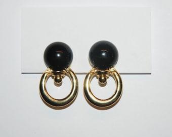 VINTAGE 80s Circle Earrings / Clip Ons