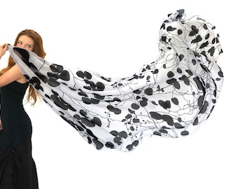 Black White Scarf, Japanese Art Wrap Shawl, Japanese Print Scarf Shawl, Fall Accessories, Bohemian Clothes, Nature Inspired Scarf