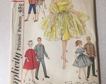 Simplicity doll clothing pattern for Barbie and others number 4422