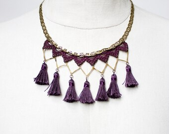 Lace necklace - MARRAKECH - Purple, black or burnt red lace, with brass