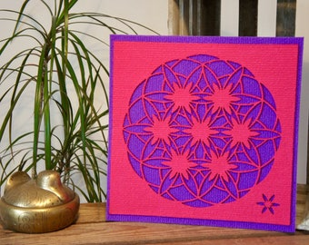"""Flower of life, Art Textile (synthetic fiber). Wall hanging, Mandala pattern """"Flower of life changing"""", 30 x 30 cm, pink and purple."""