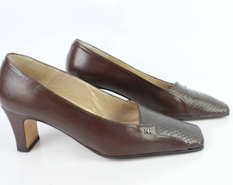 Vintage pumps by NINA RICCI Paris all leather Brown 4.5 UK / GB 37.5 condition 1973